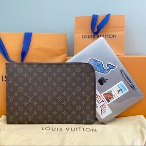 💎✨LAPTOP CASE✨💎 Louis Vuitton Monogram Holder!